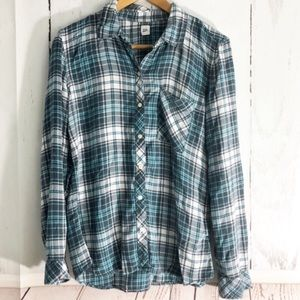 Gap • Super Soft Plaid Button Down